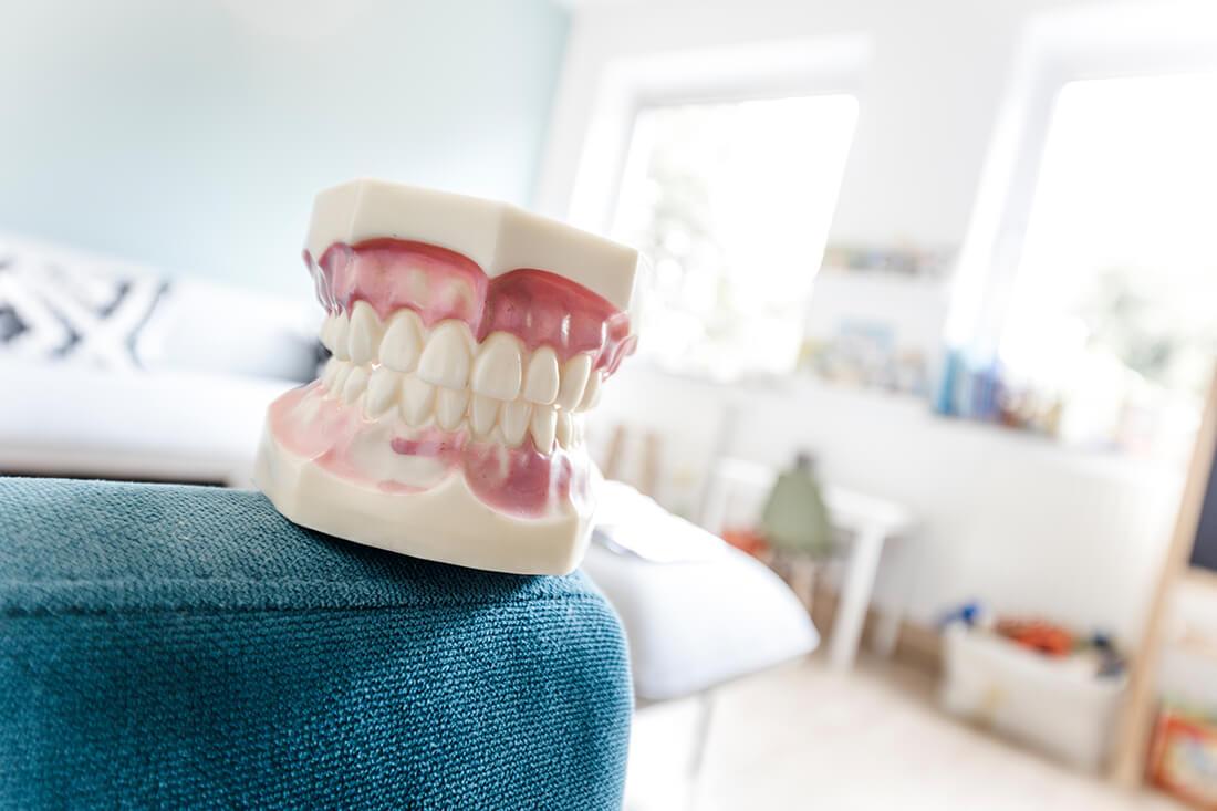 Zahnarzt Neuss Holzheim - Jonek / Gensior - Leistungen - Ästhetische Zahnheilkunde in unserer Praxis