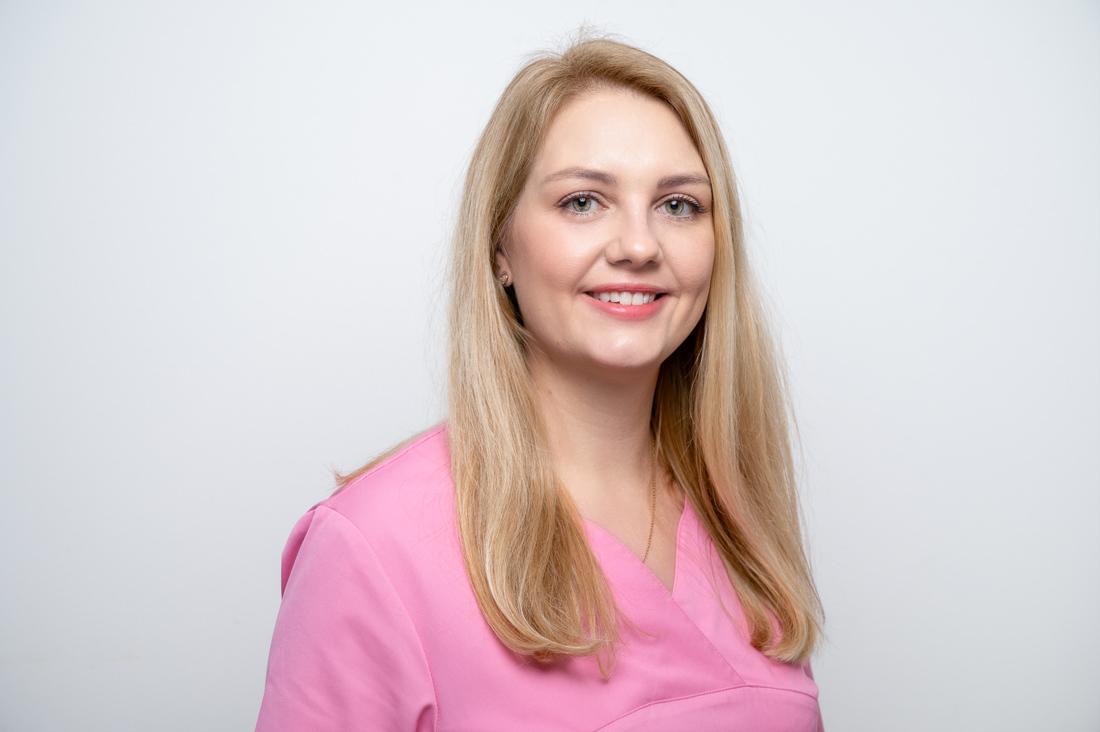 Zahnarzt Neuss Holzheim - Jonek / Gensior - Team - Julia Szabo